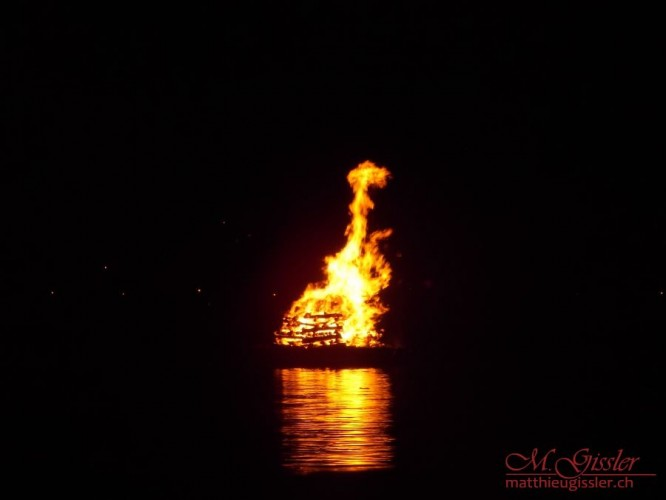 1 August Feuer Iseltwald